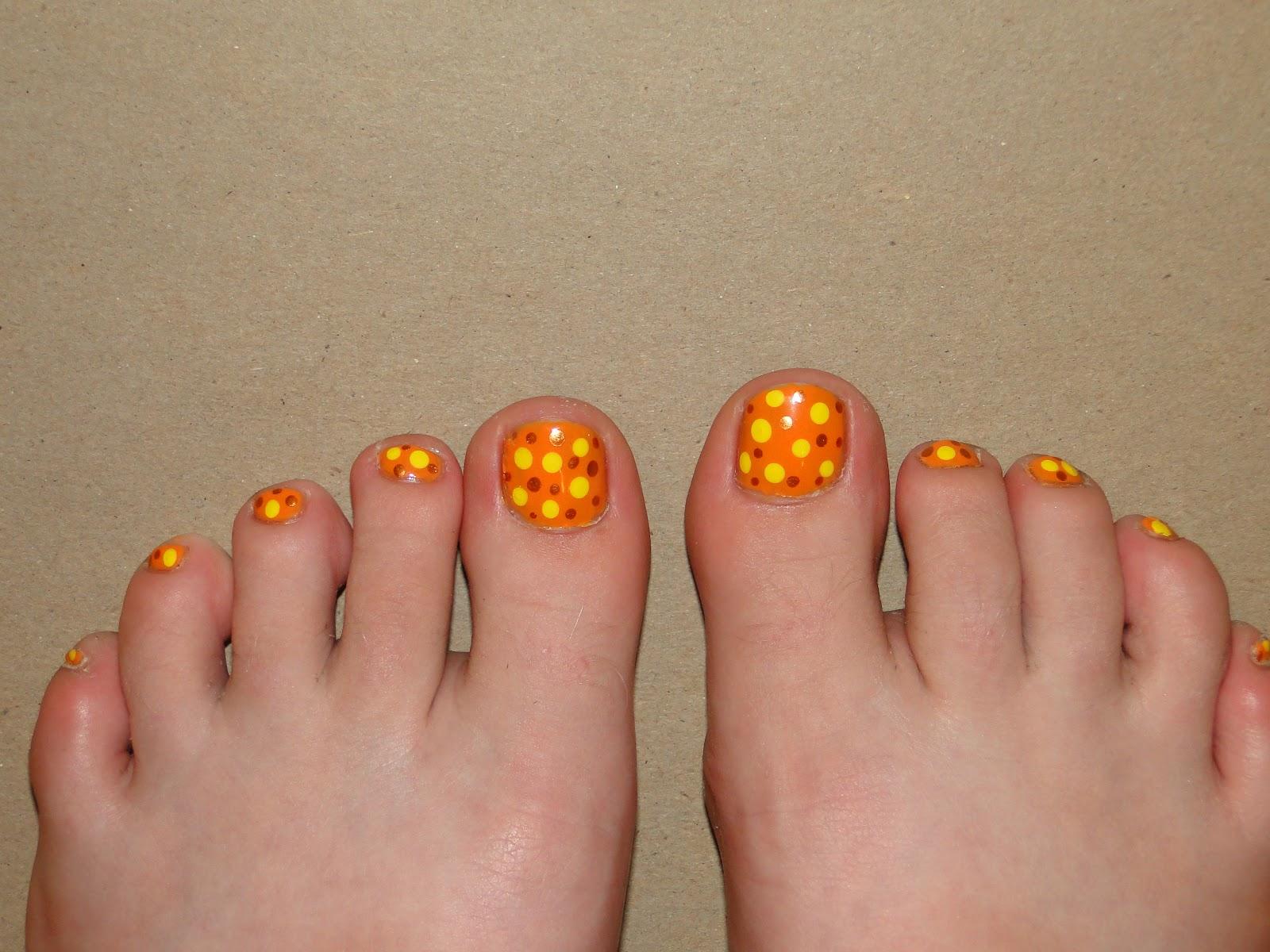 Weeklywackynails Orange Polka Dot Pedicure