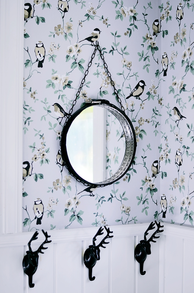 DIY, do it yourself, guide, how to do, mirror, round mirror, pyssel, falsterbo, rutigt golv, svart kedja, spegel rusta, rund spegel