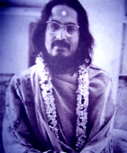 "''Try to be a perfect accurate instrument in the hands of DIVINE ""----SRI  MOHANANANDA BRAHMACHARI"