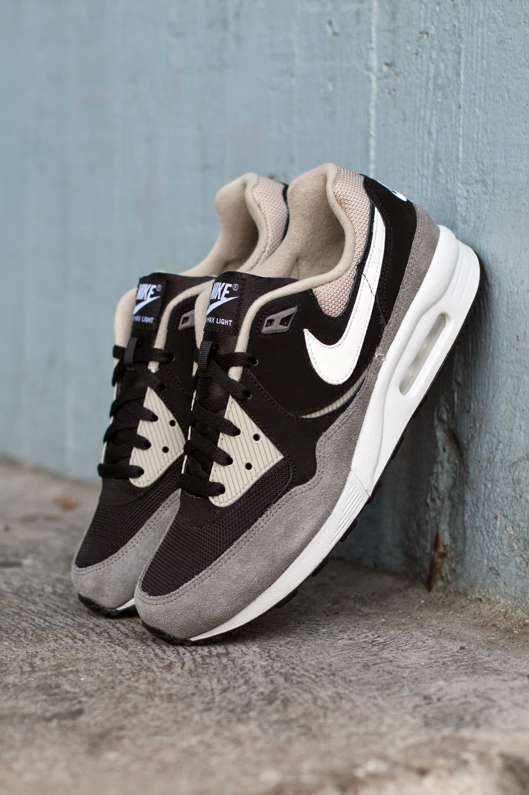 http://www.footish.se/sneakers/nike-air-max-light-essential-7