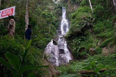Air terjun Manik Mayo yang menjadi bagian objek wisata Setren Girimanuk