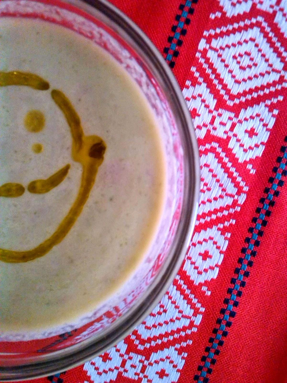 Sopa de pepino y aguacate