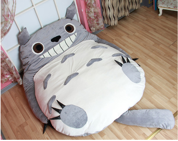 around the world a totoro bed. Black Bedroom Furniture Sets. Home Design Ideas