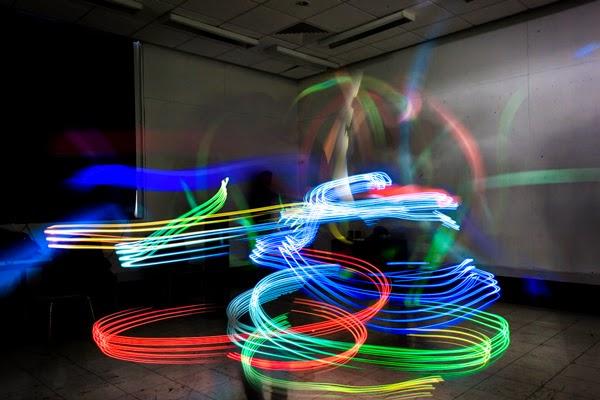 Luis Hernan đã chụp hình ảnh sóng Wifi bằng cách nào? và các hình ảnh đẹp ( Có link tải luôn nha) Hinh+anh+thuc+song+wifi+2