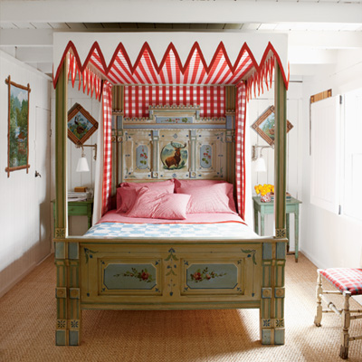Red check bedroom l