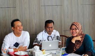 http://ejawantahnews.blogspot.com/2013/05/teknologi-dalam-dunia-blogging-sebagai.html