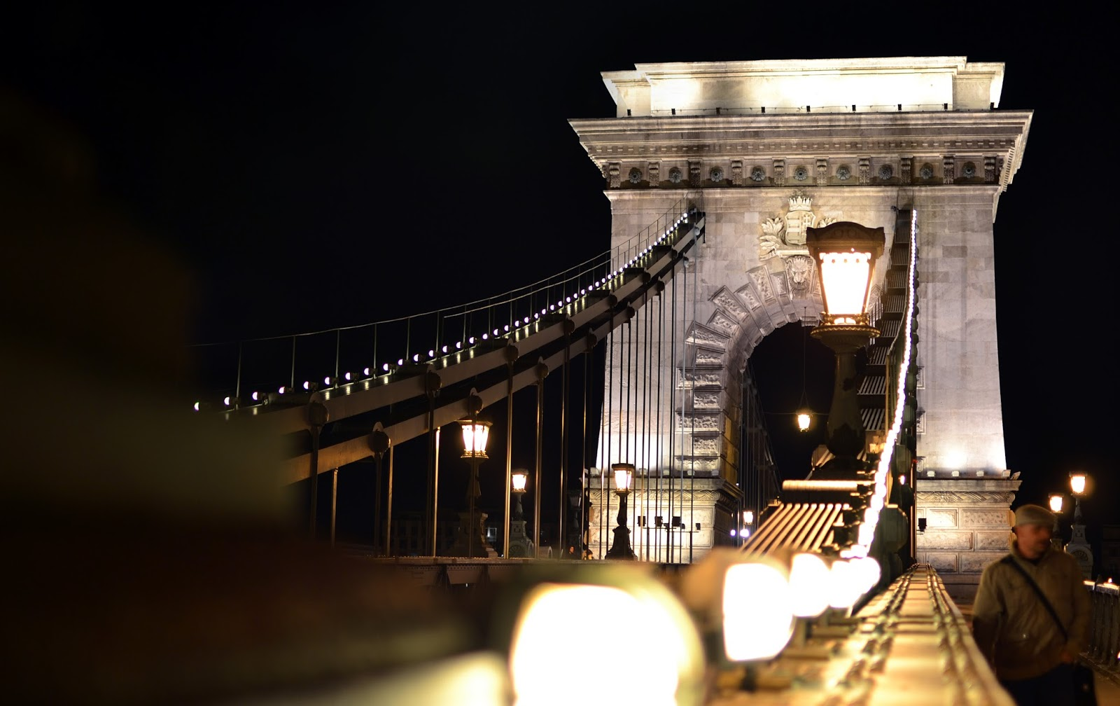 Budapest, photography, night time, architecture, travel, blog, adventure, exploration, chain bridge, Danube,