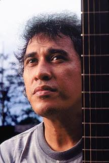 Chord Gitar + Lirik Lagu Iwan Fals - Pesawat Tempur