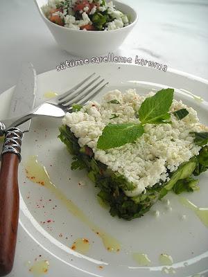 salata yiyen adam
