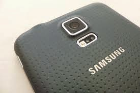 Samsung Galaxy S5 Camera for Ladies