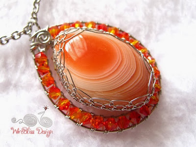 Wire Wrap Agate Pendant by WireBliss