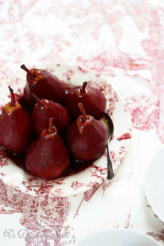 Poires au vin rouge (à la médocaine ou pere al barolo)