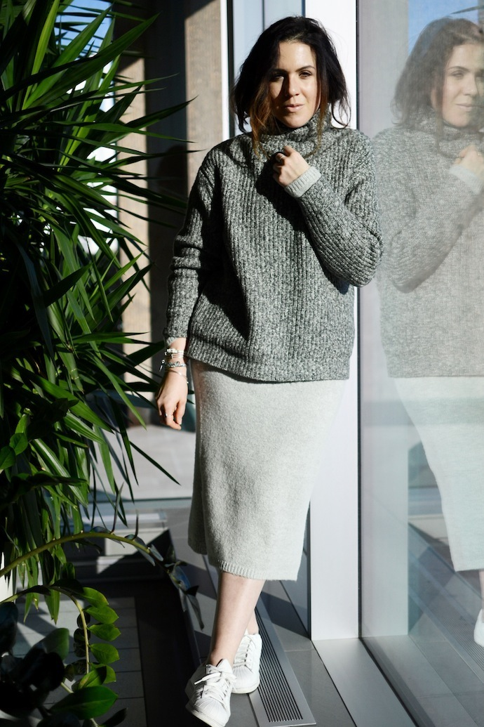 Le Chateau sweater dress Lauren Holly Collection Vancouver Blogger Alex and Ani