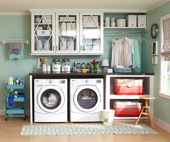 Laundry room clean slate dans le lakehouse for Better home and garden design a room