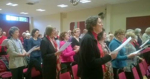 week for peace image - Nottingham Clarion Choir and friends rehearsing for the Singing for Peace event