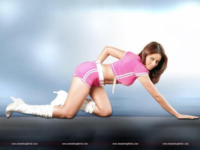Bipasha Basu Latest HD Wallpaper-1600x1200-62