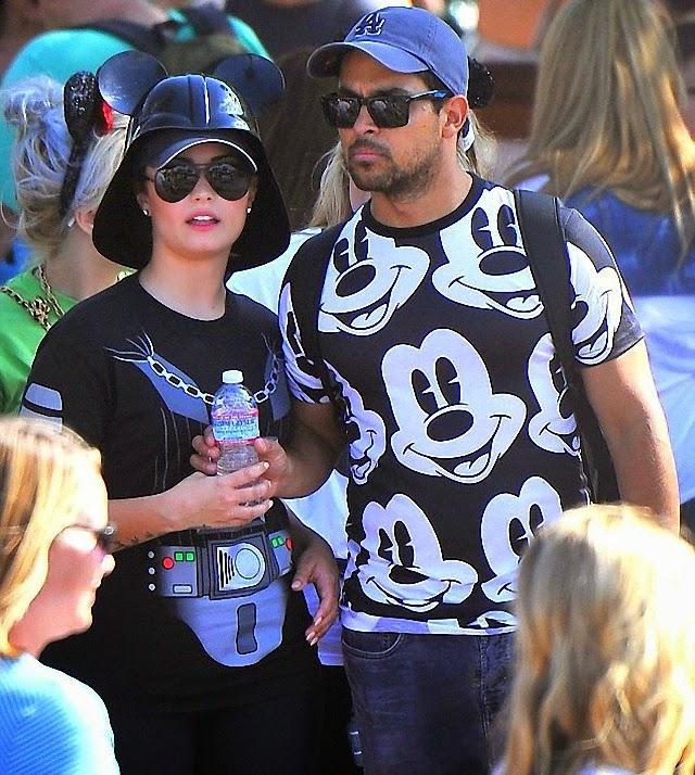 Demi Lovato luce como Darth Vader