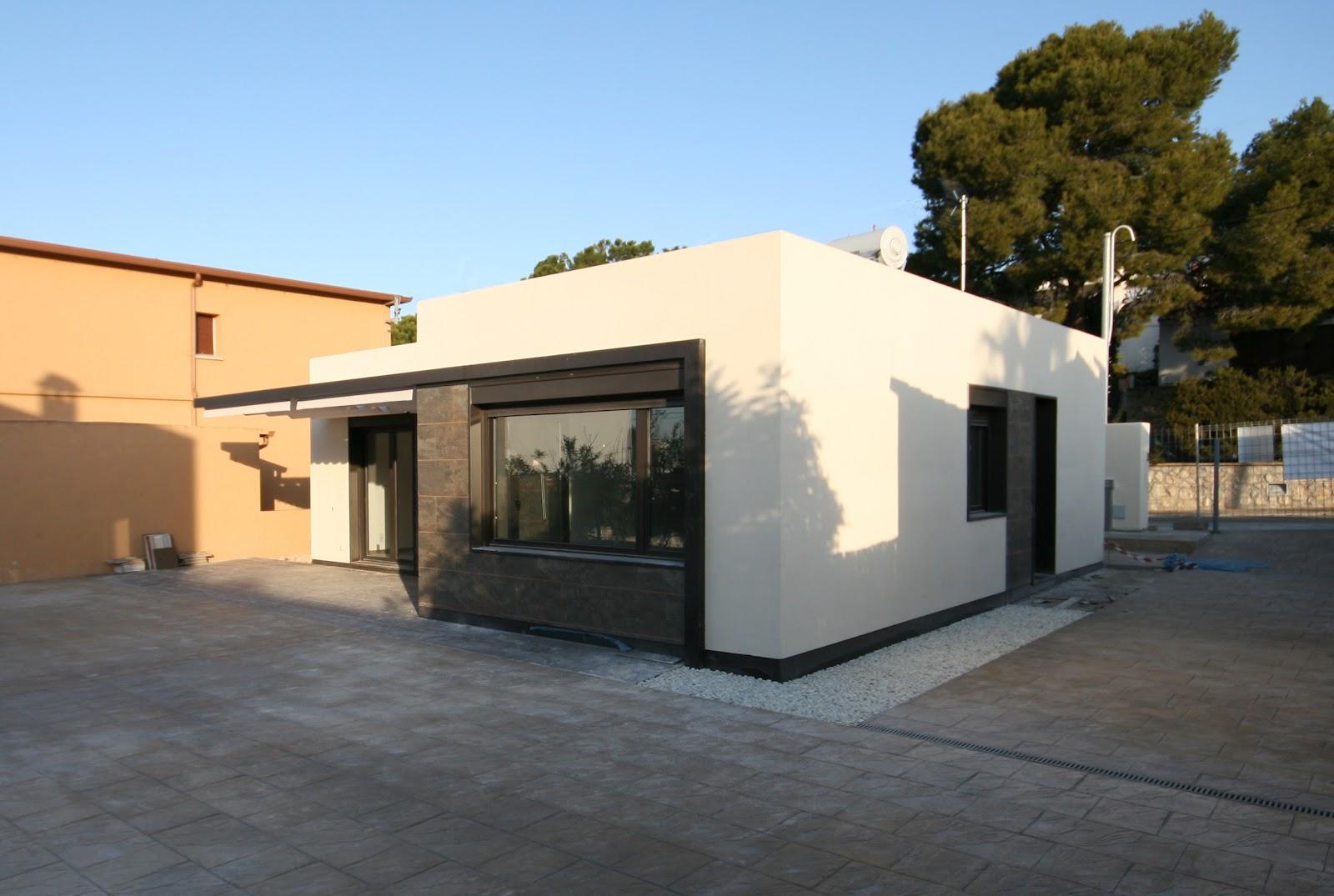 Casas modulares blochouse finalizadas las obras en calafell - Casa prefabricada diseno ...