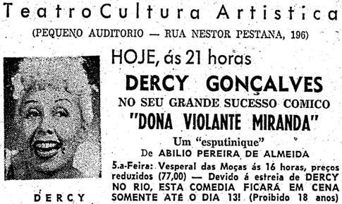 """Anúncio publicitário do espetáculo da atriz Dercy Gonçalves em 1958: """"Dona Violante Miranda""""."""
