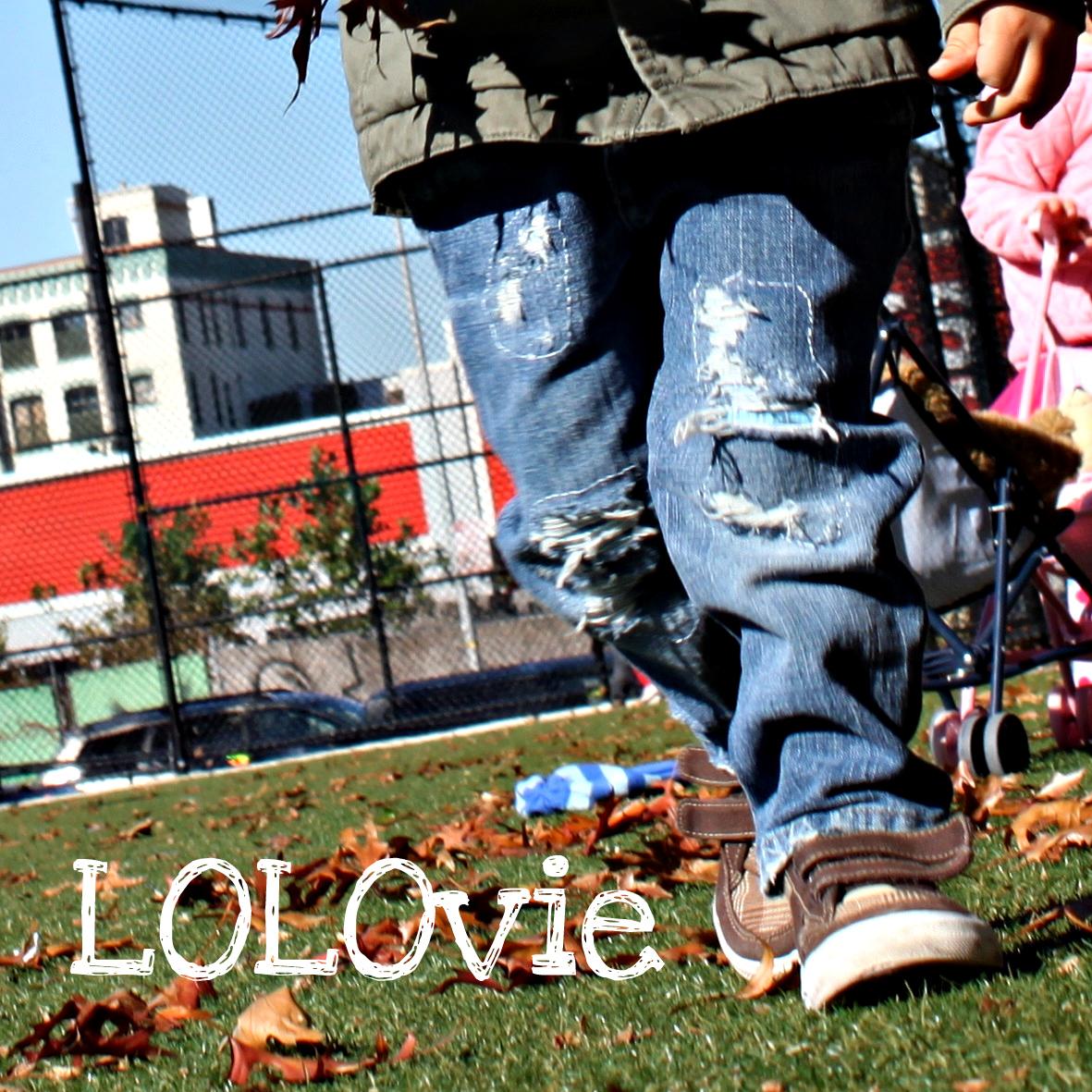 http://3.bp.blogspot.com/-jsIlyxUs2M0/Tqyw3LUzqVI/AAAAAAAAAsc/8XxYO85Z1Ik/s1600/LolovieJeans.jpg