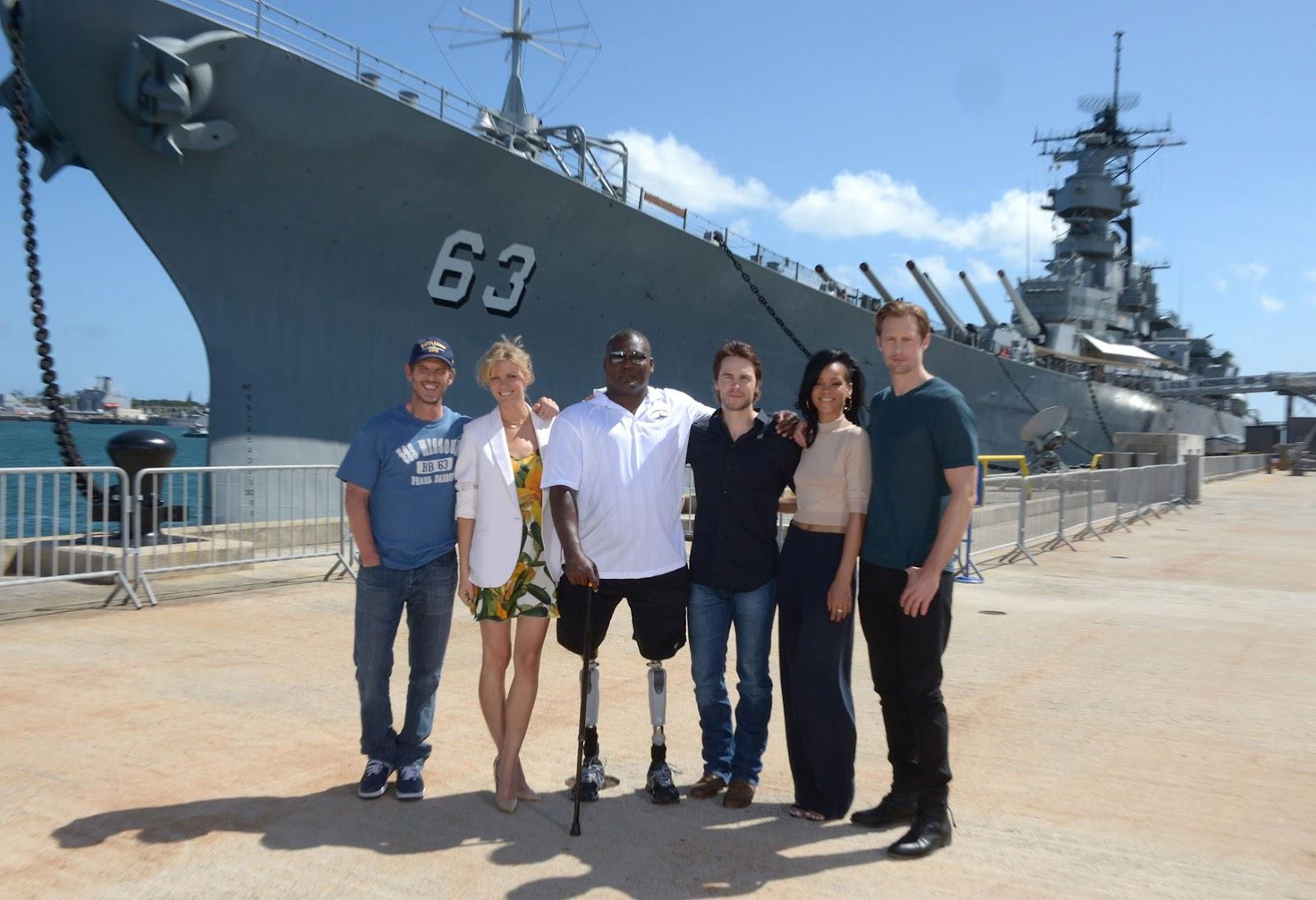 http://3.bp.blogspot.com/-jsm4FQRdSMs/T56MI2_Cv8I/AAAAAAAADMo/kjpV2NWOeG8/s1600/RIHANNA-Battleship-Photo-call-at-the-Battleship-Missouri-Memorial-Pearl-Harbor-2012-01.jpg