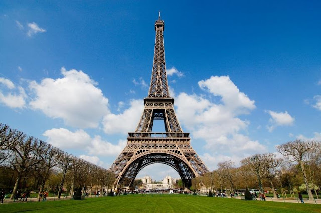 Menara Eiffel Prancis