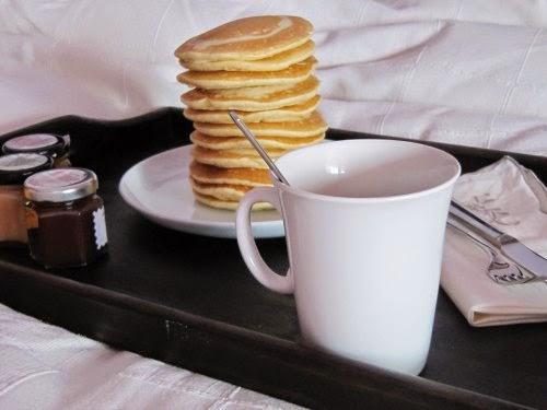 Desayuno con tortitas americanas