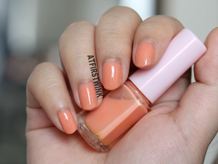Etude House Juicy Cocktail gradation nails #1 Screw Driver nail polish 1 Soft orange far