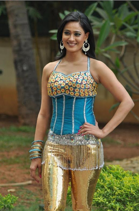 Shweta Tiwari blue and golden dance outfit hot piic - Shweta Tiwari latest dance NDTV Greenthone 2012 HOT GOLDEN DRESS