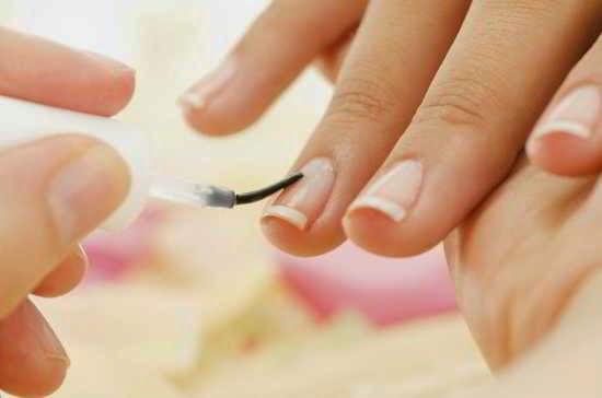 Pintarse las uñas en los sueños
