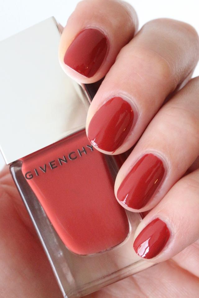 Givenchy Le Vernis 28 Rouge Acajou