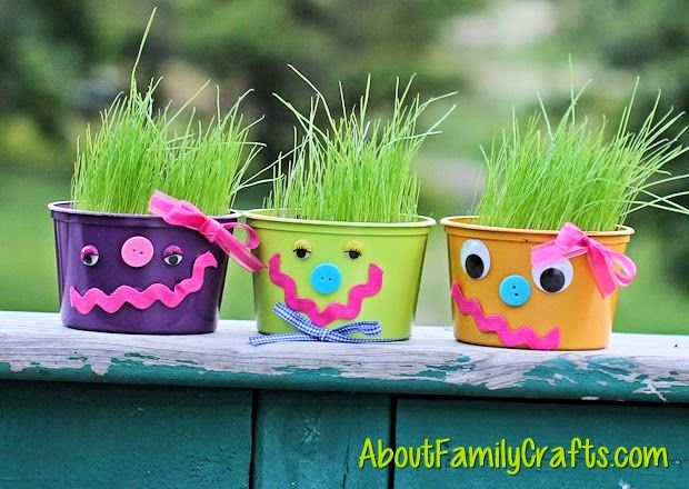 http://aboutfamilycrafts.com/how-to-make-hairy-friends/