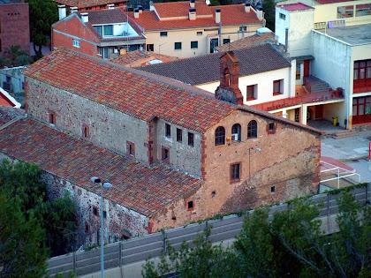L'antic Convent dels Caputxins des del camí de la Serra de Les Torretes