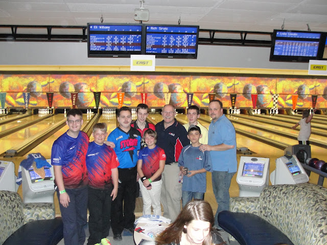 kids with Pro Bowler Ryan Schafer