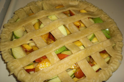 unbaked pie, raw pie, apple, peach