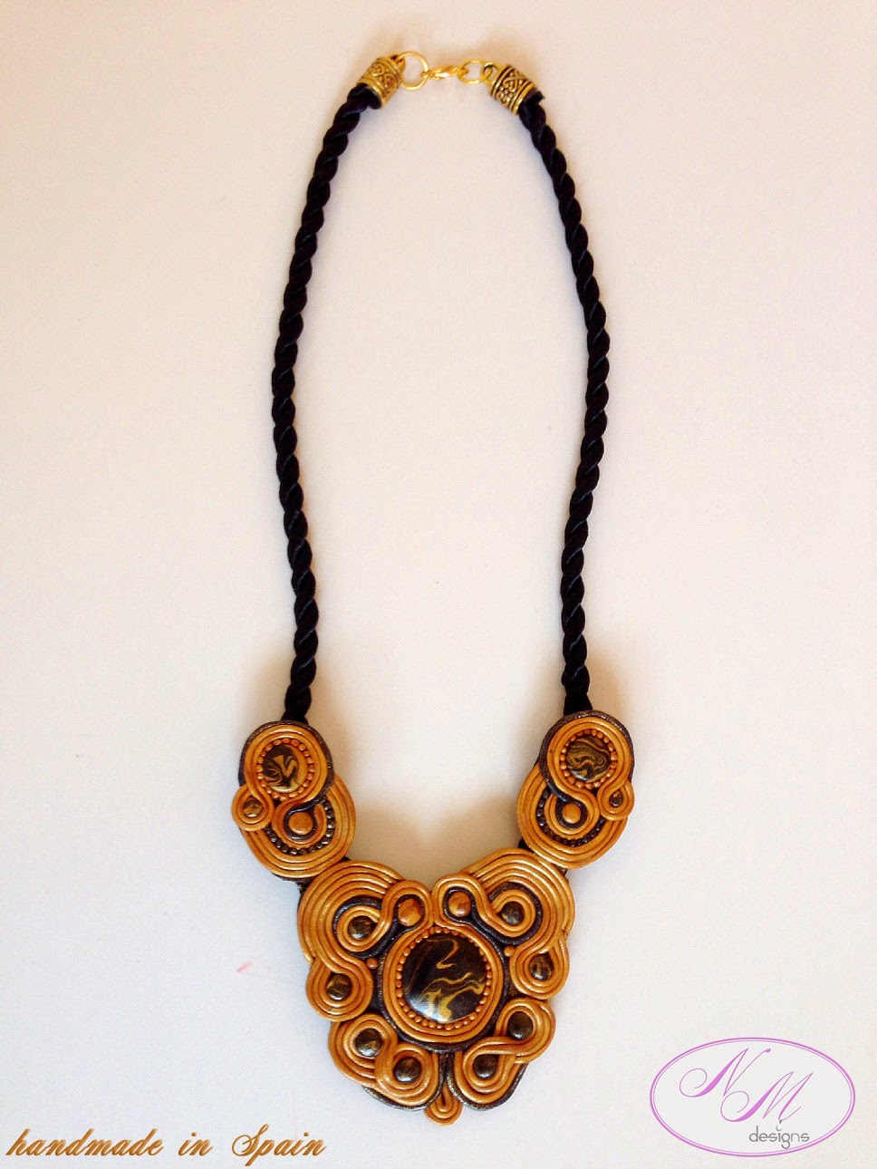 Collar/Necklace: NM Designs