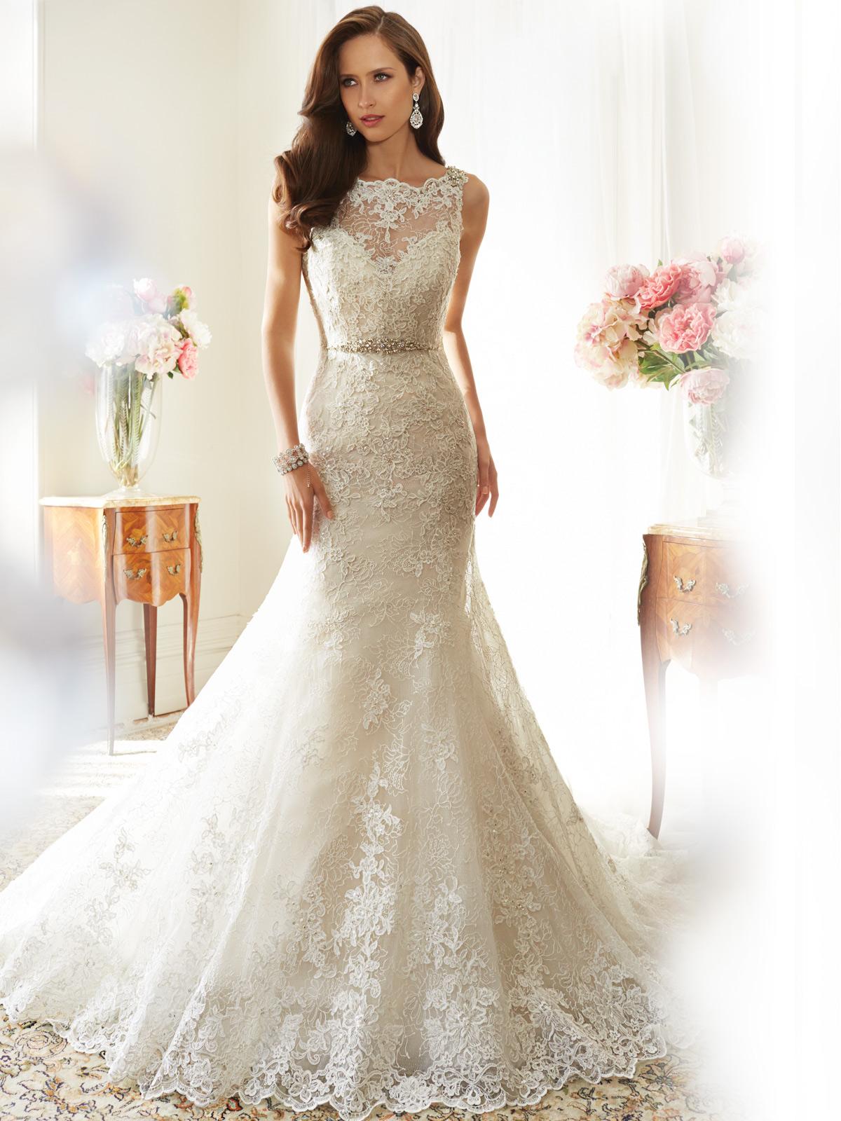 ... und Bräutigammoden.: Edle Brautkleider aus Spitze. Zeitlose Spitze