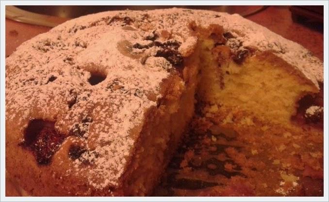 Ciasto kręcone z żurawiną i truskawkami