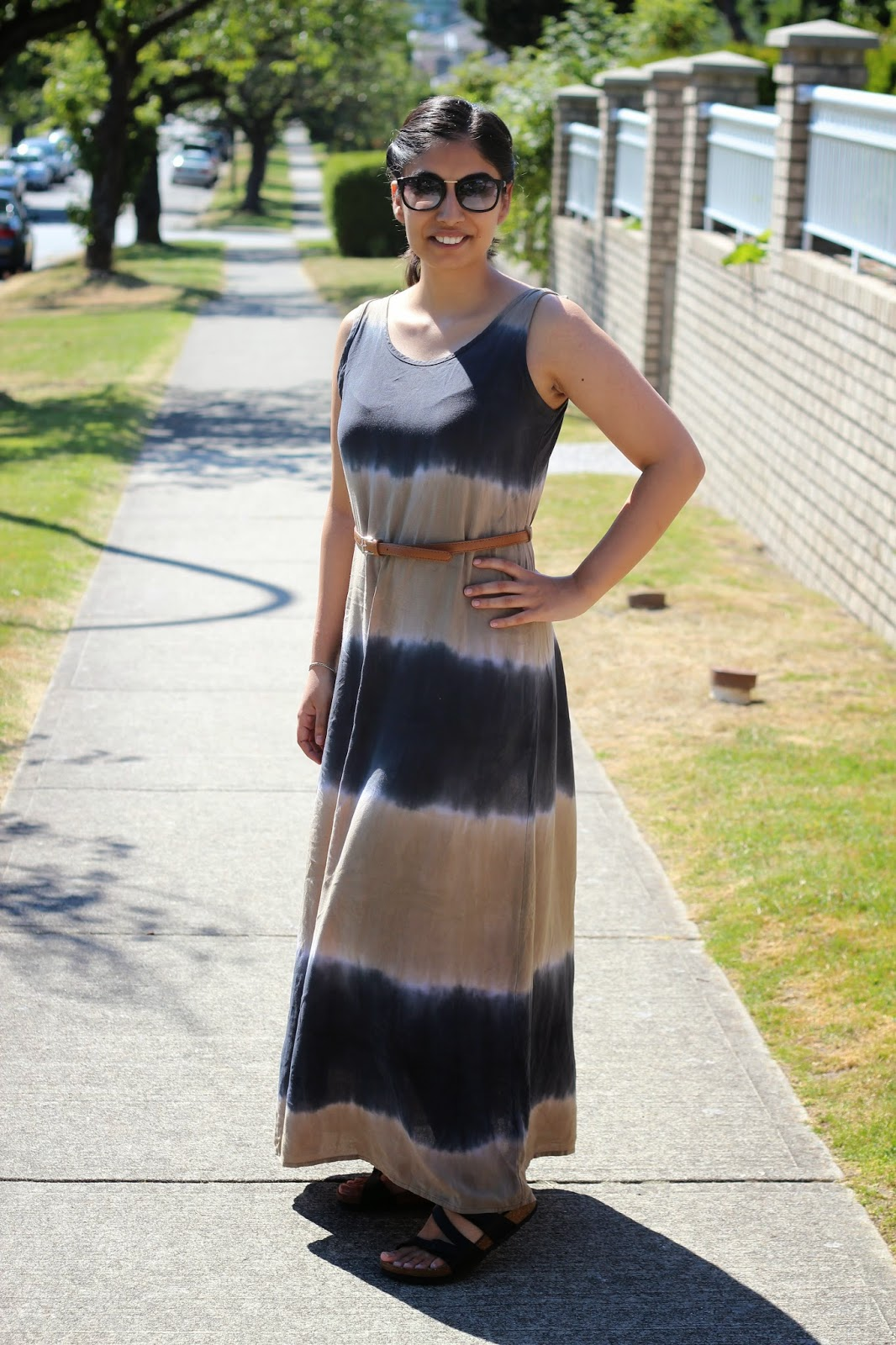 3 ways to wear a maxi dress - maxi dress with belt