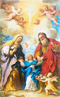 En la Imagen Santa Ana y San Joaquin llevando de la mano a la Virgen Maria.