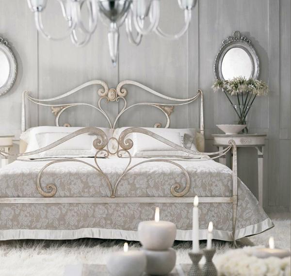 Rustik chateaux dormitorio muy chic con camas de hierro for Camas plegables diseno italiano