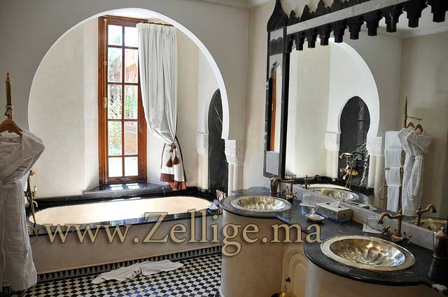 Nouvelle catalogue pour les hammam marocain en zellige for Salle de bain style hammam