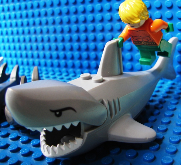 Lego Shark Toys : Toyriffic lego great white shark and aquaman too