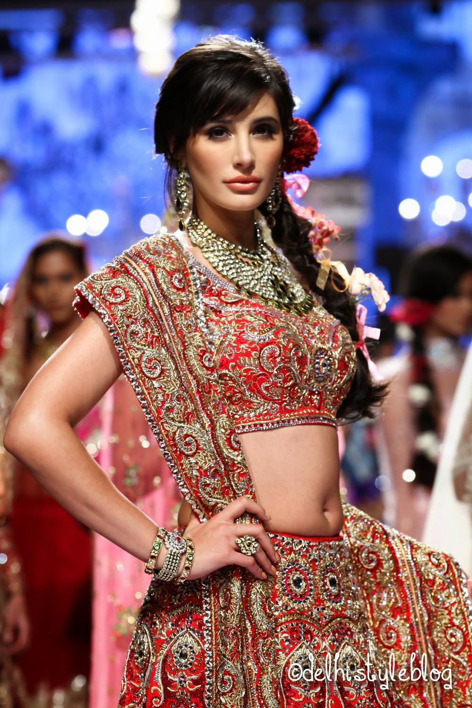 Nargis Fakhri Suneet Varma Spring Couture 2015 Lakme Fashion Week