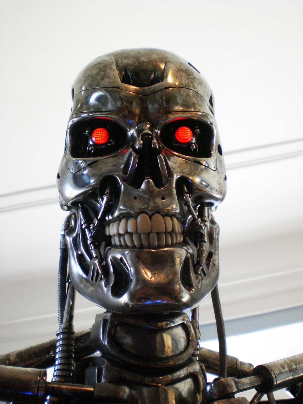 http://3.bp.blogspot.com/-jvP9WxfwP9s/TrLqcXCr8lI/AAAAAAAAevE/YjqzP17Y-Oo/s1600/T-800_Skull.jpg