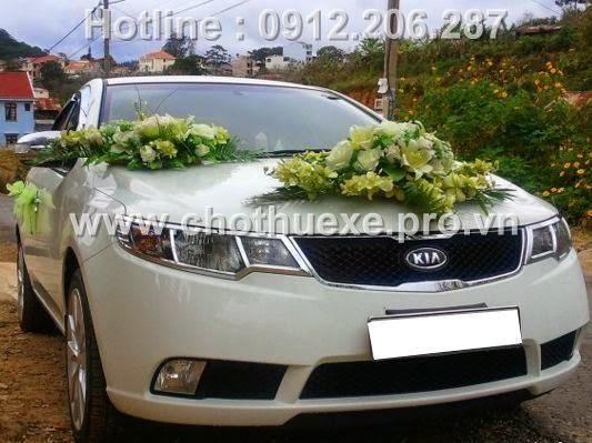Cho thuê xe cưới Kia Forte trắng giá rẻ