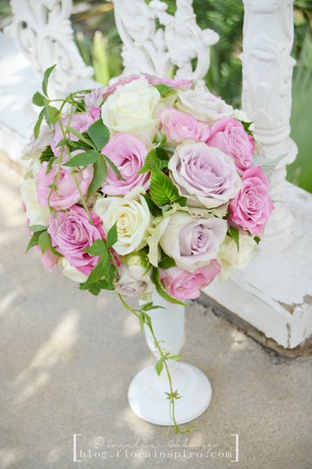 sister magazine, sisterMAG, the french flower collection, flower arrangement tutorials, french flower arrangements, flower arrangement paris normandie provence, flower arrangements in sistermag, flowers in sistermag, rose dome, how to maka a rose dome, flower arrangement roses