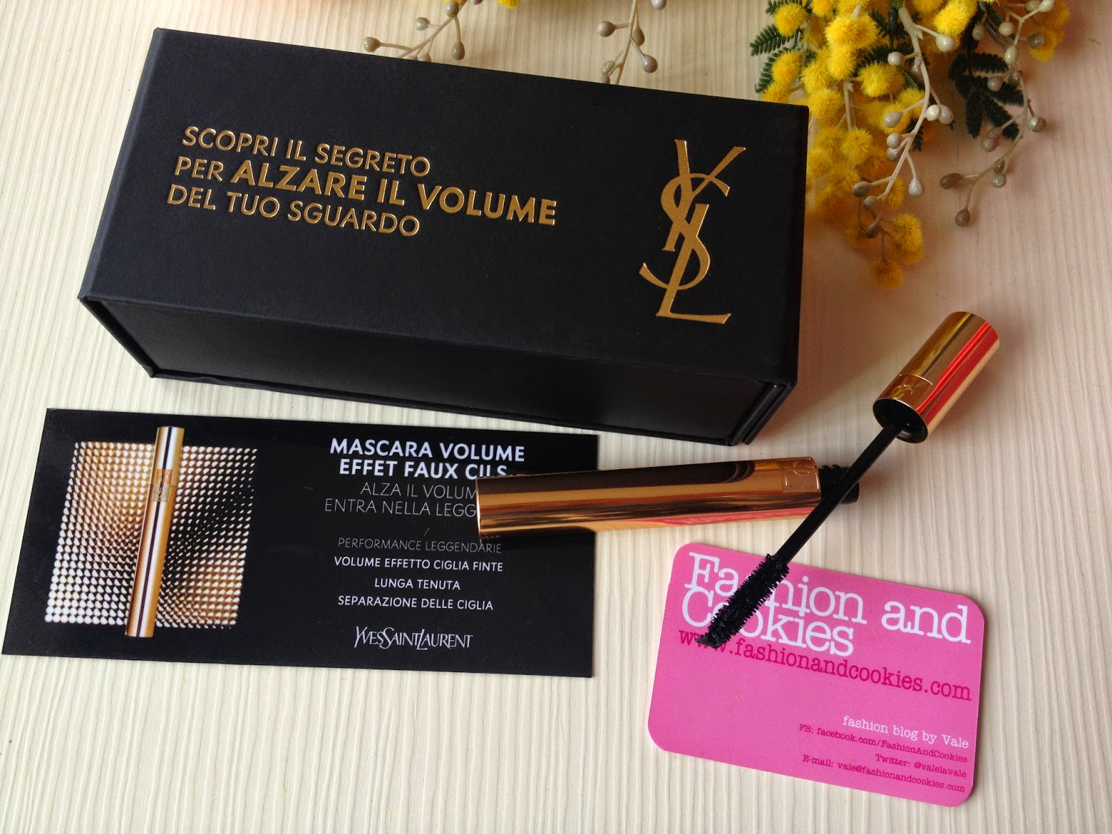YSL new mascara, YSL Volume Effet Faux Lashes Mascara, Fashion and Cookies fashion blog,  fashion blogger,  YSL mascara review