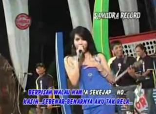 Download Video Dangdut Hot Suliana - Tak Rela 3gp