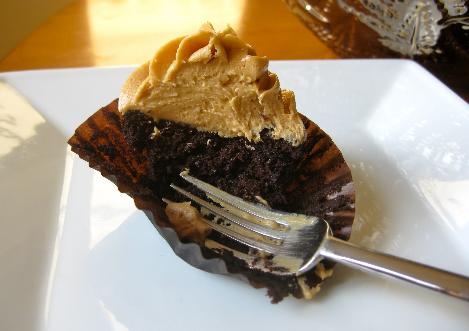 Vegan Chocolate Peanut Butter Cupcakes